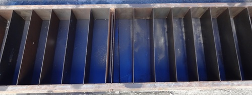 Battery Molds With Plastic Spacer Plates