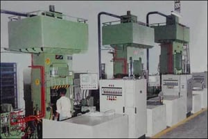 Compression And Transfer Moulding Machine
