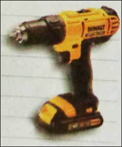 13Mm Compact Drill And Driver (Dcd771C2)