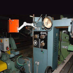 Low Maintenance Alcera Universal Milling Machine