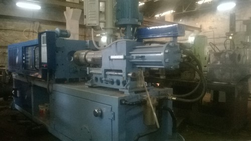 Industrial Plastic Injection Moulding Machine in  Mundka Indl. Area