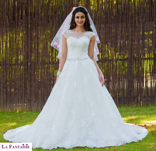 Christian Wedding Gown: White Christian Wedding Gown At Best Price In New Delhi