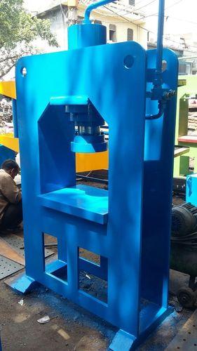 Hydraulic Tile Press in  Mayapuri - Ii