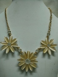 Attractive Fashionable Necklace