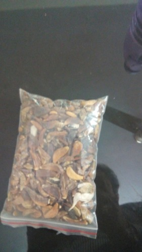 Premium Dehydrated Garlic Flakes in  New Area