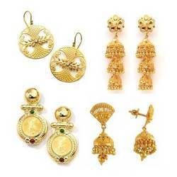 Attractive Fashion Gold Earrings
