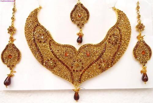 Trendy Design Gold Necklace Sets