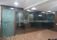 Pillar Partition Glass