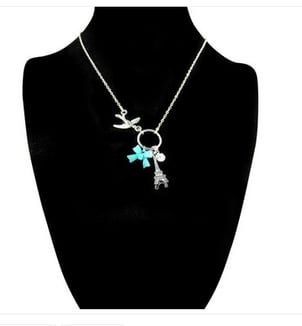 Chic Silver Pendant With Chain