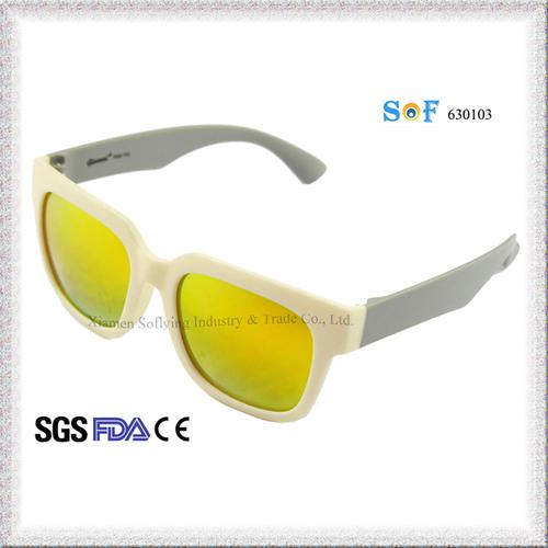 Polarized Way Farer Design Sunglasses with Revo Lens