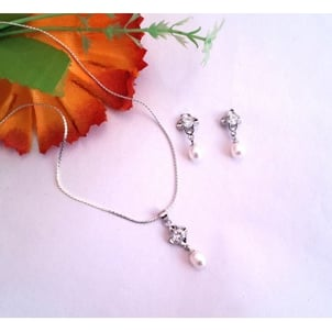 Silver Pear Pendant Set With Chain