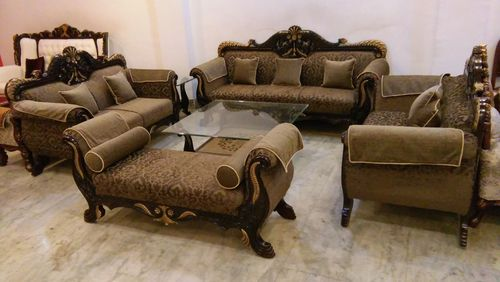 Classic Wooden Sofa In Kirti Nagar