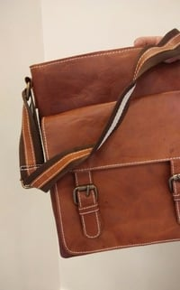 Leather Messenger & Sling Bags