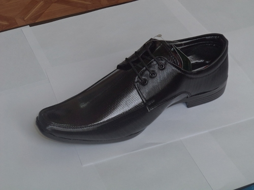 Men Formal Shoes in  Naiwala