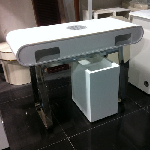 Nail Table Manicure Machine With A Vacuum Cleaner