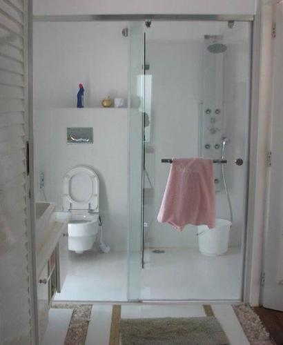 Shower Enclosure in  Chromepet