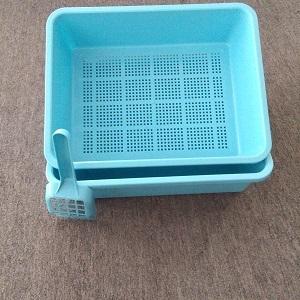 Plastic Cat Litter Box
