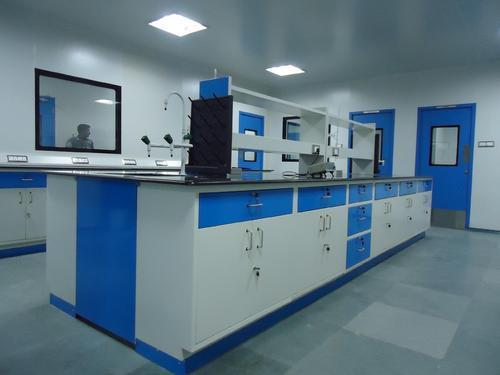 Chemistry Laboratory Table in  Saravanampatty