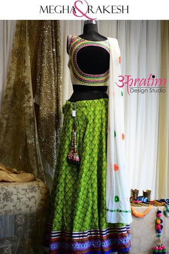 Designer Choli 07 At Best Price In Vadodara Gujarat Apratim Design Studio