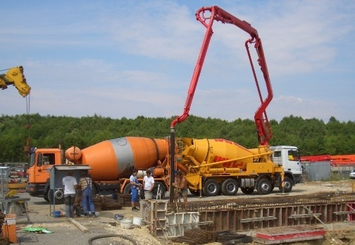 Truck Mixer Concrete Pumps at Best Price in Goa, Goa