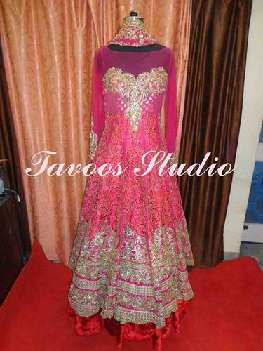 Latest Designer Frock Suits in  Araghar