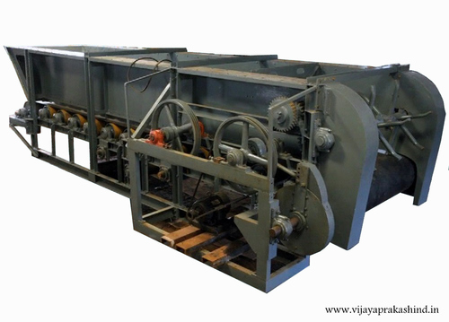 Box Feeder With Rubber Mat