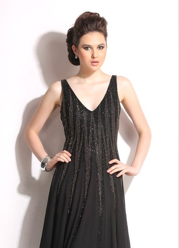 Ladies Comfort Rich Sleeveless Partywear Gown in   Margao