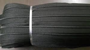 Black Nylon Zipper Roll