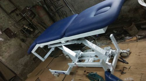 Hi Low Treatment Table Motorized 3 Section Single Motor in  Moti Nagar