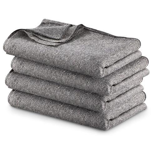 Woolen Blankets in  Model Town