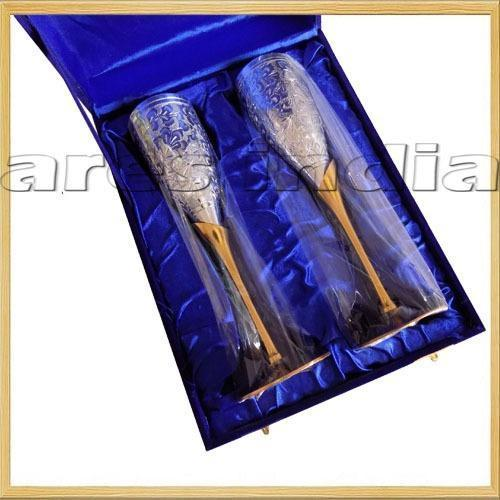 Royal Look Wine Glass Set With Wooden Box Gift