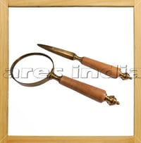 Wooden Handle Magnifying Glass