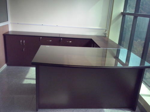 Stylish Executive Tables in  New Area