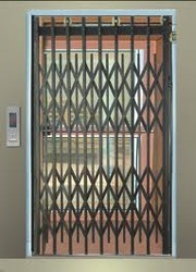 Manual Operated Doors Lifts