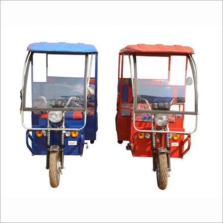 Rechargeable Electric Rickshaw in  Chandigarh Road
