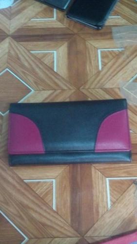 Ladies Wallet in  C.R. Avenue
