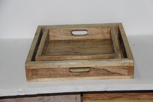Wooden Trays With Handle in  Pakbara