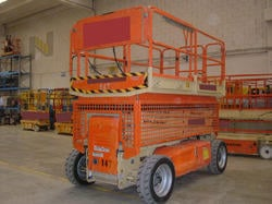 Le Scissor Lifts