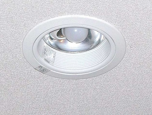High Quality LED Bulb in   Old Panvel