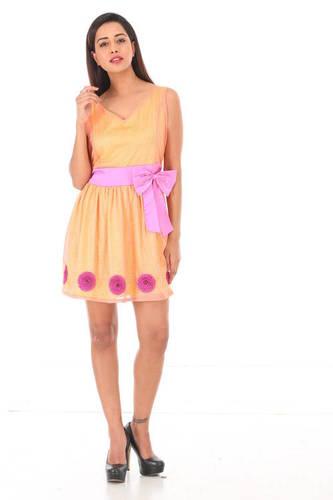Ladies Western Short Dress in  Padmanabhnagar