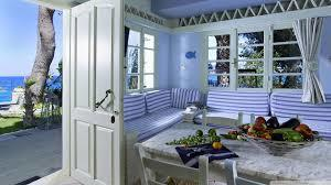 Seaside Home With Best Wood Interior And Decor Services