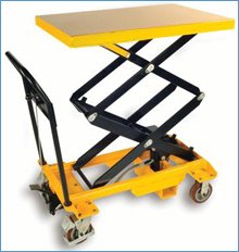 Scissor Lifts in   Vapi