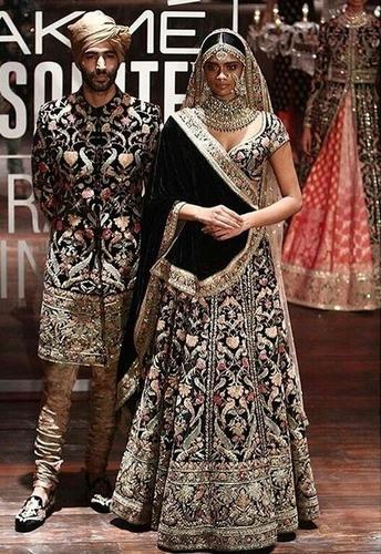 Wedding Mens Sherwani And Ladies Chaniya Choli In Mumbai