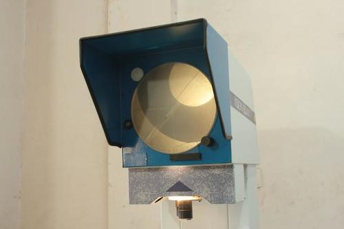Table Top Profile Projector in  Peenya Second Stage