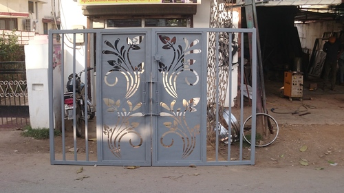 Precise Metal Cutting Gate