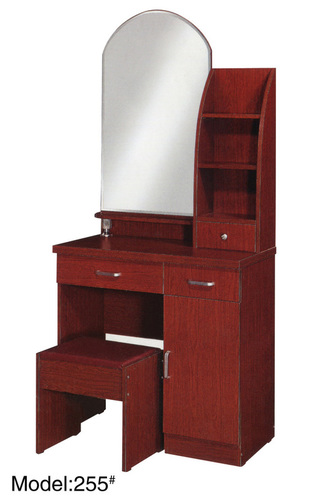 Dressing Table With Sitter