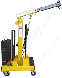 Durable Manual Floor Crane in  Jeevan Nagar