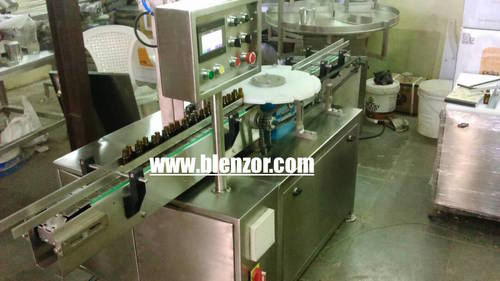 Automatic Pick Up And Place Screw Capping Machine