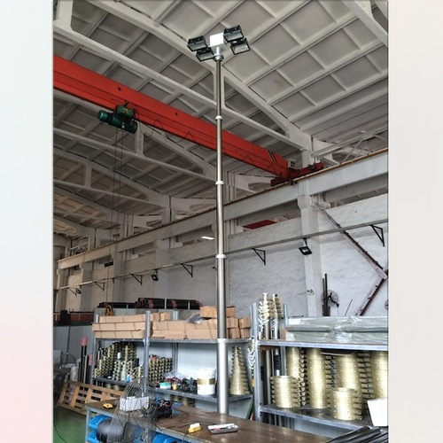 Vertical Mount Fold Down Telescopic Mast Lighting Tower