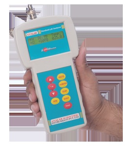 Handheld pH / mV / ºC Analyzer Model μpHCalHandheld